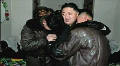 刺杀金正恩下载_金正恩6月6日出席朝鲜少年团全国联合团体大会并; 据朝中社5月4日报道
