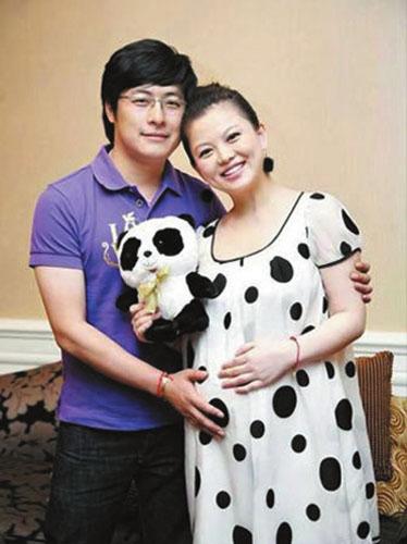 李湘王岳伦离婚了吗_传李湘与王岳伦正协议离婚 三岁幼女归母亲抚养