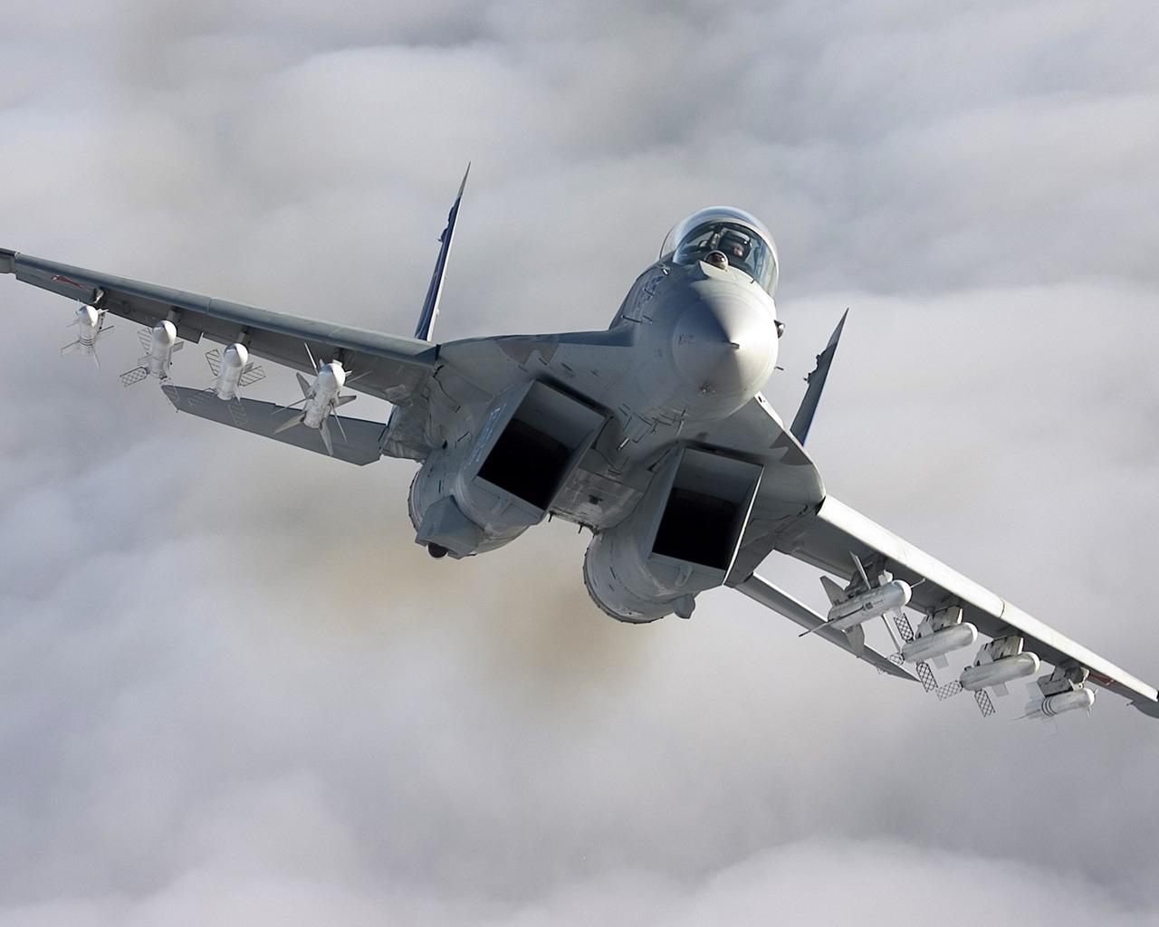 ��G�f�_美海军为节约成本启动f/a-18战斗机延寿计划