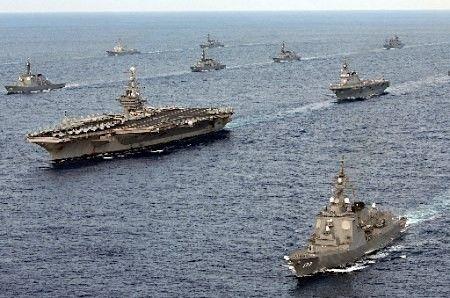 以美军航母为核心的舰队