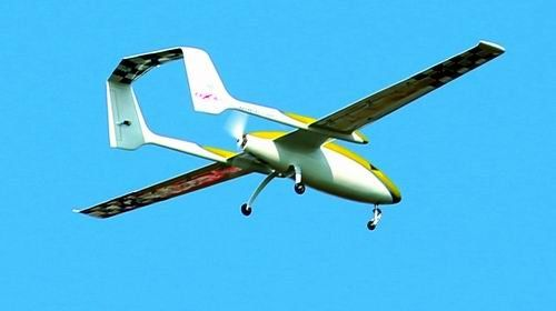 维修无人飞机图片